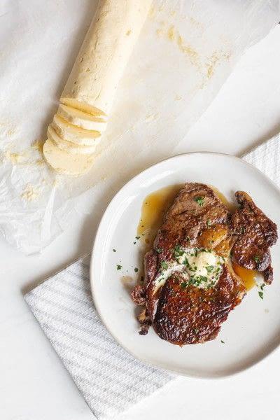 How to make butter. Homemade Garlic Butter - Step 3