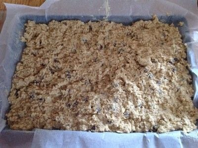 How to bake an oat bar. Chocolate Chip Oat Bars - Step 5