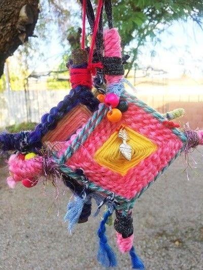 How to make an ornament. Ojo De Dios   God's Eye Weaving - Step 6