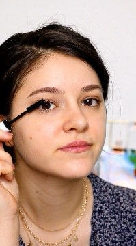 How to create a natural eye makeup. Recreate Lorde's Classic Makeup Look - Step 4