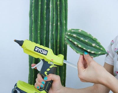 How to make an ornament. Diy Cactis From Pool Noodles!  - Step 9