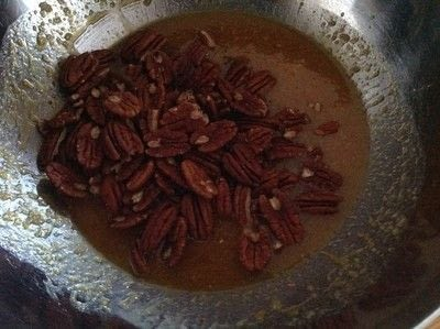 How to bake a pecan pie. Pecan Pie - Step 3