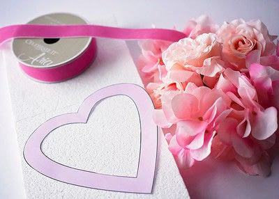 How to make a floral wreath. Quick Floral Heart Wreath - Step 1