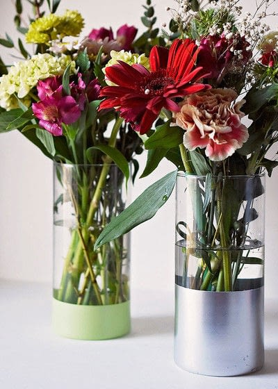 How to make a vase. Easy Diy, Spray Painted, Dollar Store Vase - Step 4