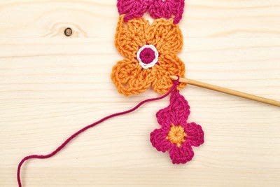 How to stitch a knit or crochet blanket. Crochet Flower Blanket - Step 2