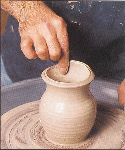 How to make a techniques. Throwing Pottery - Step 17