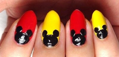 How to paint a character nail. Marvelous Mickey - Step 3