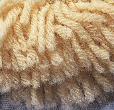 How to knit . How To Knit Loops - Step 1