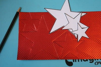 How to make a paper wreath. Patriotic 3 D Rinea Foiled Paper Star Wreath  - Step 1