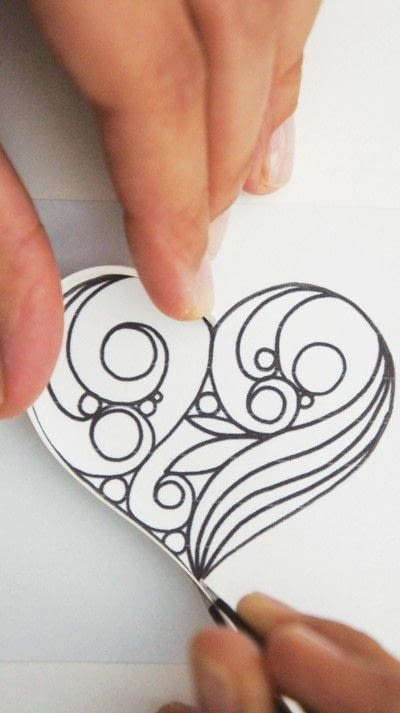 How to make a papercraft. Creating A Quilled Outline - Step 4