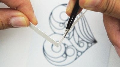 How to make a papercraft. Creating A Quilled Outline - Step 5