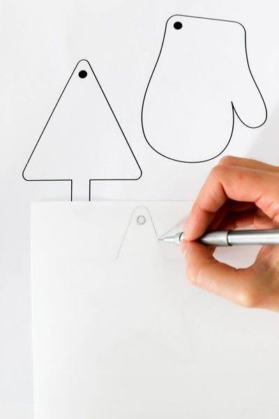 How to make a napkin / napkin ring. Napkin Ring With Shrinking Plastic - Step 1