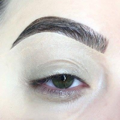 How to create a cut crease eye makeup look. Red Cut Crease Tutorial - Step 1