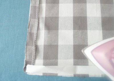 How to make a curtain/blinds. Quick & Easy No Sew Cafe Curtains - Step 4