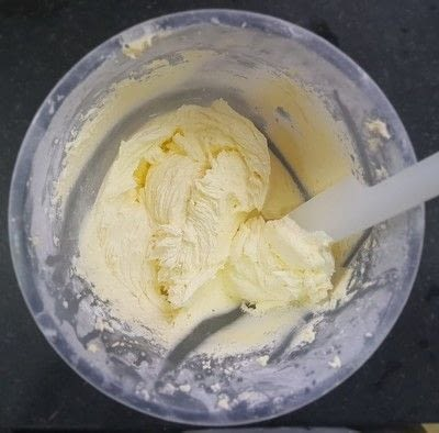 How to bake a decorative cake. Fondant Marble Cake - Step 10