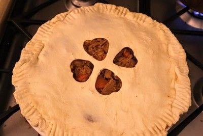 How to  bake a meat pie. Vegetarian Steak & Ale Pie - Step 16