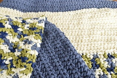 How to stitch a knit or crochet blanket. Easy Crochet Blanket For Beginners - Step 2