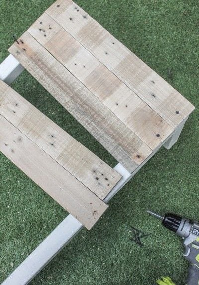 How to make a chair. Pallet Deck Chair - Step 3