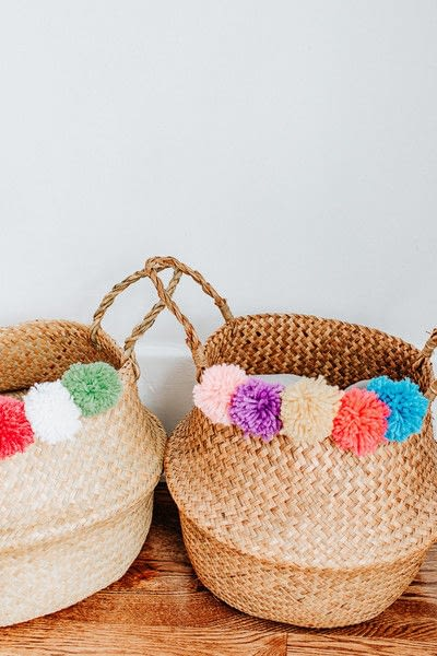 How to stitch a knit or crochet basket. Pom Pom Seagrass Basket - Step 3