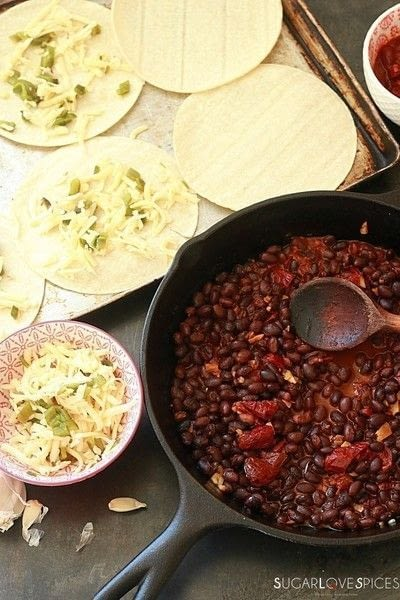 How to cook Huevos Rancheros. Huevos Rancheros With Black Bean And Avocado - Step 2