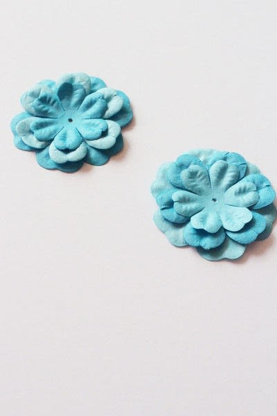 How to make packaging. How To Make A Paper Flower Lollipops Gift Tutorial - Step 5