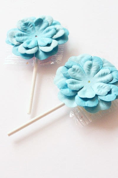 How to make packaging. How To Make A Paper Flower Lollipops Gift Tutorial - Step 8