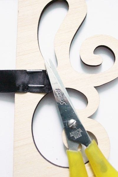 How to make a framed decoration. How To Create An Elegant Place Card Display - Step 7