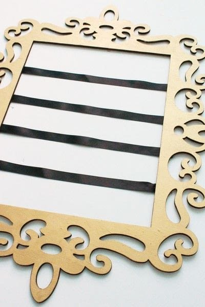 How to make a framed decoration. How To Create An Elegant Place Card Display - Step 8