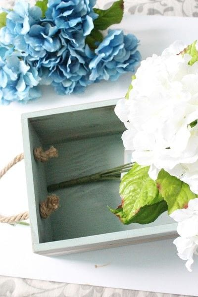 How to make decorative tablewear. How To Create An Elegant Centerpiece - Step 7