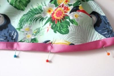 How to make a tablecloth / table runner. Pink & Green Tropical Tablecloth - Step 7