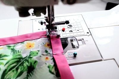How to make a tablecloth / table runner. Pink & Green Tropical Tablecloth - Step 14