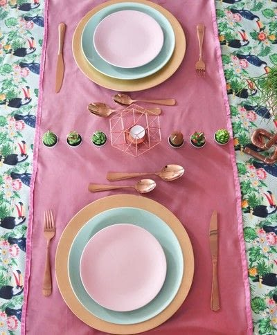 How to make a tablecloth / table runner. Pink & Green Tropical Tablecloth - Step 21
