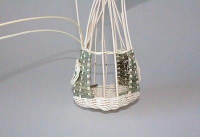How to make a bird feeder. Bird Feeder - Step 6