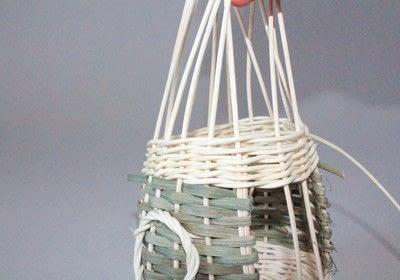 How to make a bird feeder. Bird Feeder - Step 8