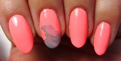 How to paint a nail painting. Glow Get It! - Step 2