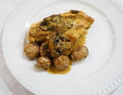 How to cook a chicken dish. Creamy Turmeric Chicken & Mushrooms - Step 6