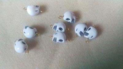 How to make a dangle earring. Skull Earrings - Step 4