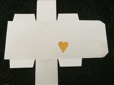 How to make a garland. Floral Heart Garland - Step 2