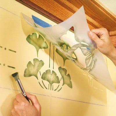 How to stencil a stenciled artwork. Simple Stenciling - Step 4