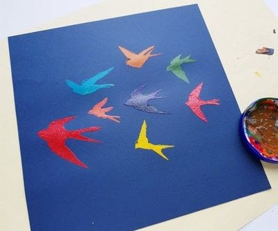 How to paint a stencilled painting. Create Colorful Bird Stencil Art - Step 6
