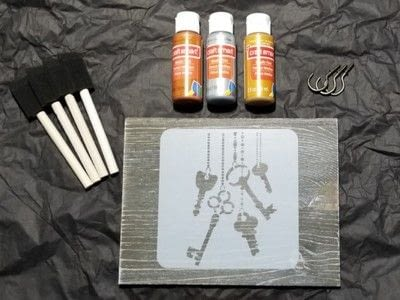 How to make a hanging. Diy Stencil Assault Key Holder - Step 1
