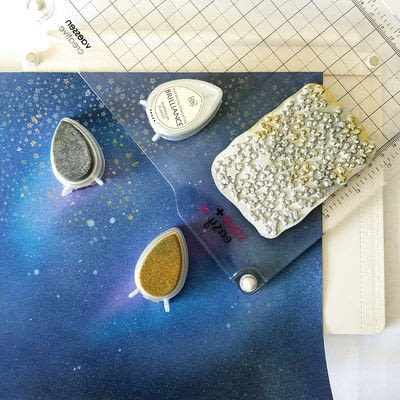 How to cut a piece of papercutting. Galaxy Card Shine Like A Star - Step 3