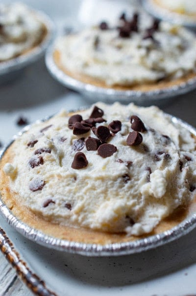 How to bake a sweet pie / sweet tart. Mini Cannoli Pies - Step 5