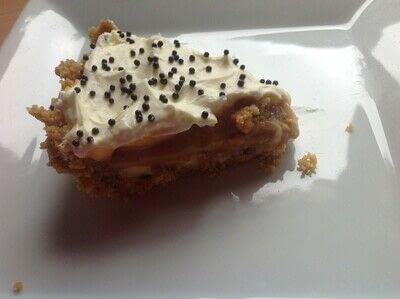 How to bake a banana pie. Banoffee Pie - Step 8