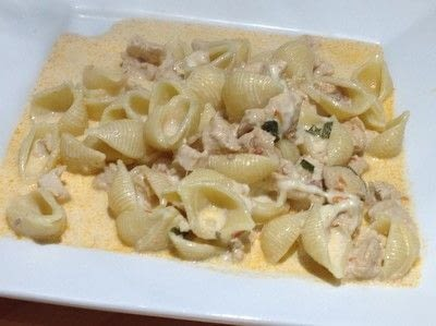 How to cook a chicken dish. Creamy Tomato & Chicken Pasta - Step 7