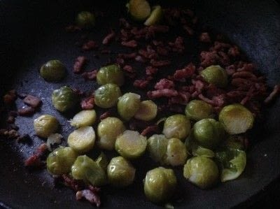 How to cook pasta. Cheesey Bacon & Sprouts Tortellini  - Step 2