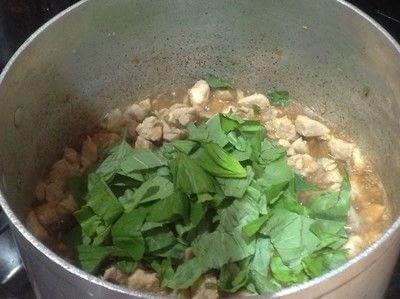 How to cook a chicken dish. Spicy Thai Basil Chicken  - Step 5