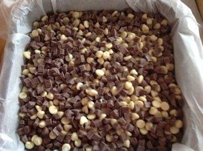 How to bake a bar / slice. Chocolate Dream Bars - Step 2