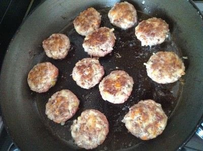 How to cook a meat cake. Romanian Meatballs  - Step 4