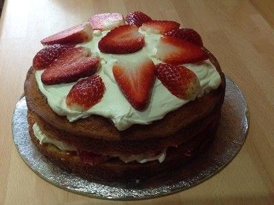 How to bake a strawberry cake. Strawberry & Cream Cake - Step 8